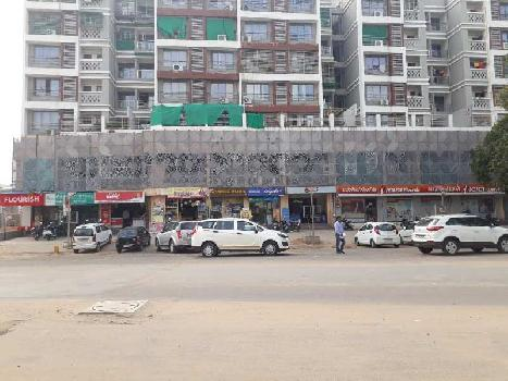 421 Sq.ft. Showroom for Rent in Motera, Ahmedabad