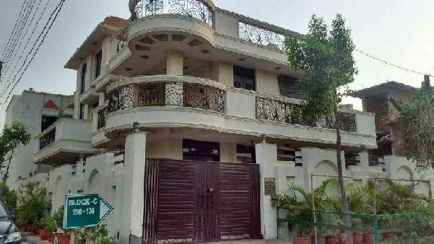 8 BHK 5000 Sq.ft. House & Villa for Rent in Sector 50 Noida
