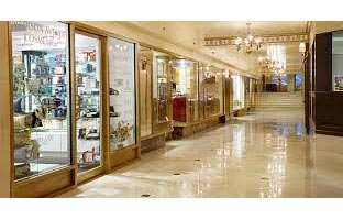 1000  Sq. Feet Commercial Shops for Rent in Noida Expressway, Noida - 1000 Sq.ft.