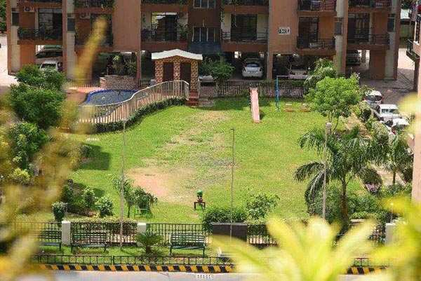 4 BHK Flats & Apartments for Sale in Zirakpur, Chandigarh - 3800 Sq. Feet