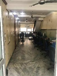 950 Sq.ft. Office Space for Sale in Rohini Sector 9