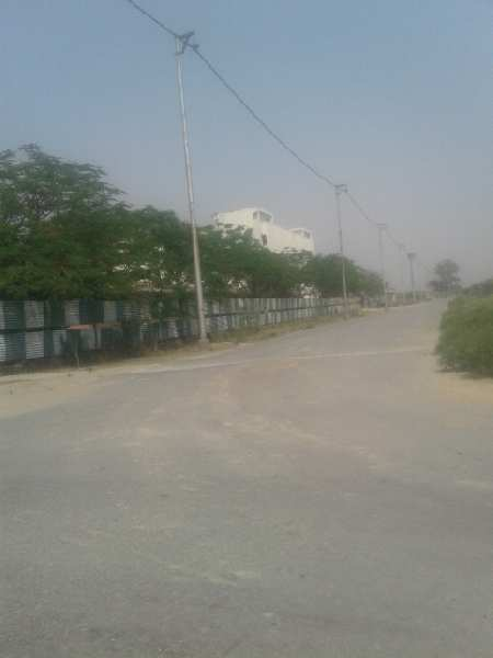1000 Sq. Meter Residential Plot for Sale in Yamuna Expressway, Greater Noida