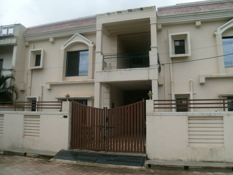 4 BHK Bungalows / Villas for Sale in Raipur - 2800 Sq.ft.