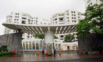 4 BHK 2200 Sq.ft. Residential Apartment for Rent in Bhosale Nagar, Pune