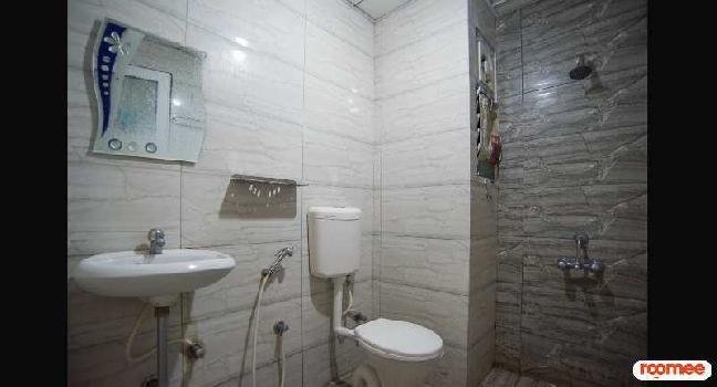3 BHK 100 Sq. Meter Residential Apartment for PG in Sector 24 Rohini, Delhi