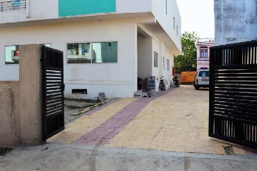 10 BHK 18000 Sq.ft. Builder Floor for Rent in Badshahbagh Colony, Varanasi