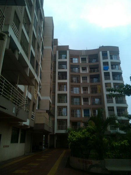 2 BHK Flats & Apartments for Sale in Mira Road, Mumbai - 900 Sq.ft.