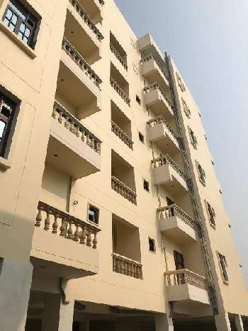 3 BHK 1800 Sq.ft. Residential Apartment for Rent in Gomti Nagar, Lucknow