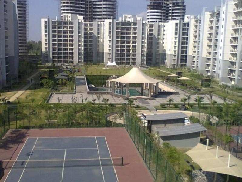 3 BHK Flats & Apartments for Sale in Sector 93b, Noida - 1600 Sq.ft.