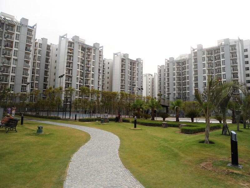 2 BHK Flats & Apartments for Sale in Sector 93b, Noida - 1000 Sq.ft.