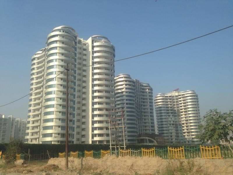 4 BHK Flats & Apartments for Sale in Sector 93b, Noida - 3850 Sq.ft.