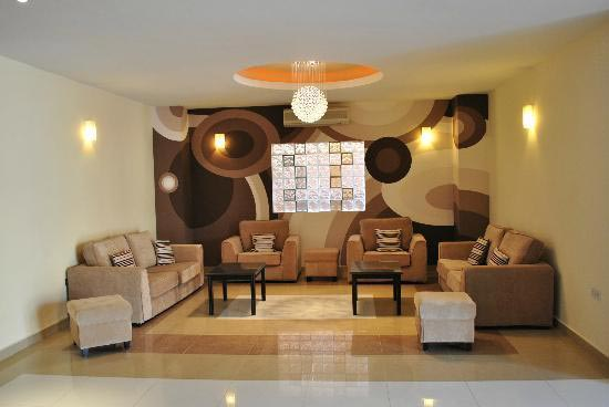 2 BHK Flats & Apartments for Rent in Sector 38, Gurgaon - 900 Sq.ft.