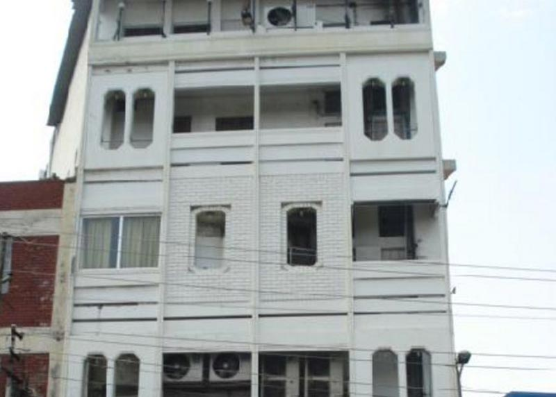 Office Space for Rent in Mall Road, Kanpur - 2000 Sq. Feet