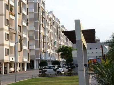 4 BHK Flats & Apartments for Sale in Hoshangabad Road, Bhopal - 2005 Sq.ft.