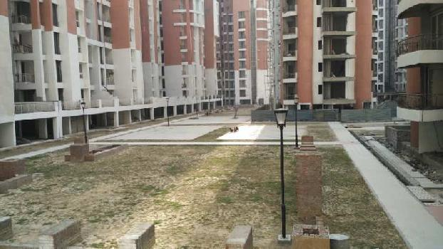3 BHK 1360 Sq.ft. Residential Apartment for Rent in Pari Chowk, Greater Noida