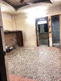 1 BHK Builder Floor for Rent in Dahisar East