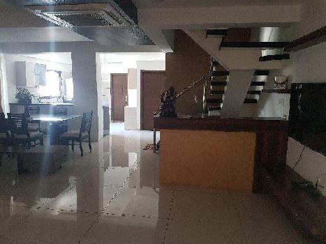 2500 Sq.ft. Penthouse for Sale in Alkapuri, Vadodara