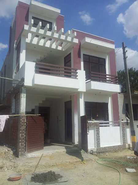 4 BHK Bungalows / Villas for Sale in Mohanlalganj, Lucknow - 2100 Sq.ft.