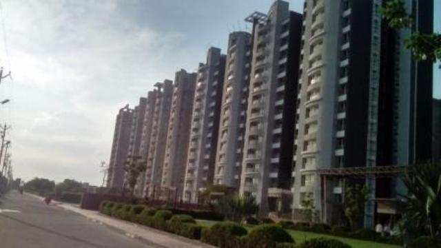 3 BHK Flats & Apartments for Sale in Mathura - 5 Acre